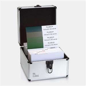 RAL(劳尔)色卡 840-HR校准页&原标准色彩带LAB色差值(半光泽版本)